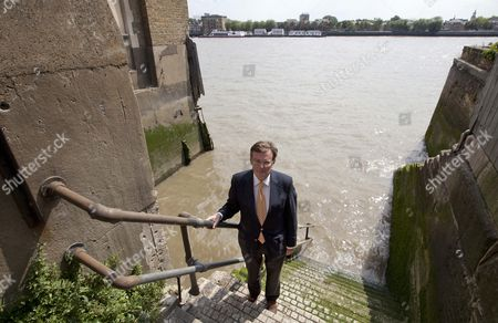 Lord Oakeshott At His Pub The Town Of Ramsgate In Wapping.