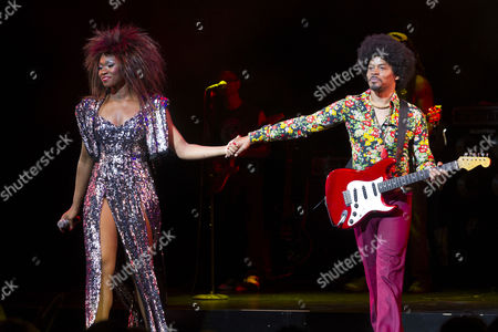 Emi Wokoma (Tina Turner) and Chris Tummings (Ike Turner)