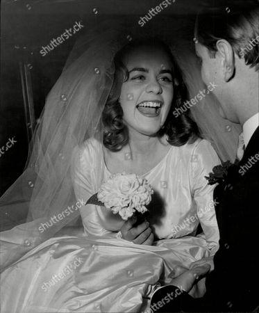 Catherine Hope Weds Nicholas Vivien Son Of Lord Vivien.