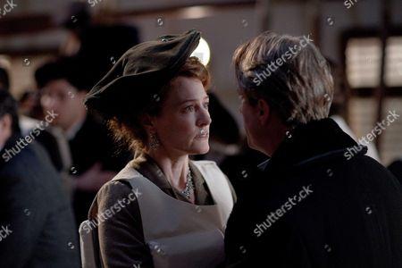 Geraldine Somerville as Countess of Manton and Linus Roache as Earl of Manton