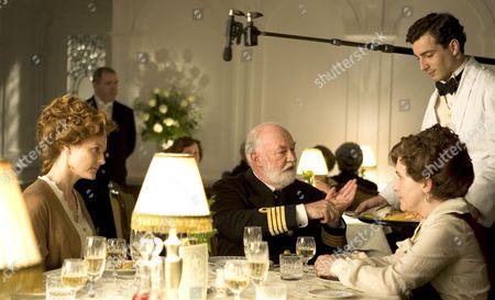 Members of cast including Geraldine Somerville, David Calder, Glen Blackhall  Sylvestra Le Touzel rehearsing a scene