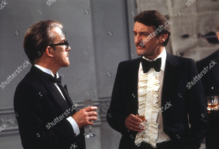 John Moffatt as George and Peter Jeffrey as Rufus