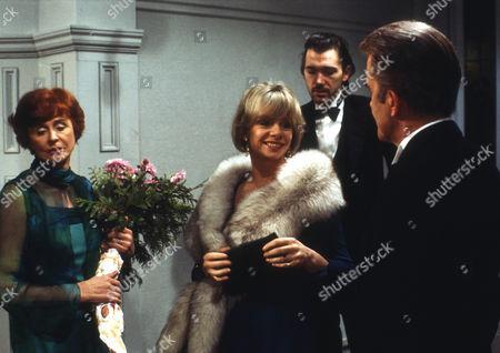 Isabel Dean as Betty, Jill Bennett as Stella, Frank Grimes as Glyn and John Moffatt as George
