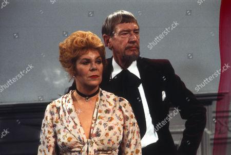 Rachel Roberts as Pauline and Valentine Dyall as Oscar