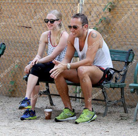 Amanda Seyfried and Desmond Harrington