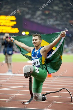 Alan Oliveira of Brazil wins Gold in the Men's 200m T44 Final