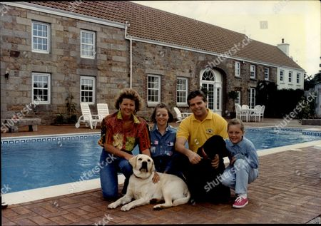 Derek Warwick Racing Driver And His Wife Rhonda With Their Children Marie And Kerry.