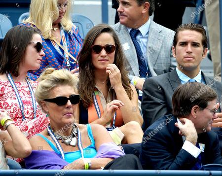 Pippa Middleton (c) and Spencer Vegosen (r)