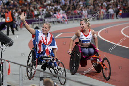 Hannah Cockroft wins T34 200m final to claim gold for Great Britain, with Melissa Nicholls (right)