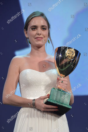 Hadas Yaron with the Volpi cup for best female actress