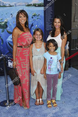 Eva LaRue, daughter Kaya McKenna Callahan and sister Lara LaRuy