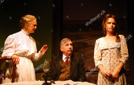 'Hindle Wakes' - Anna Carteret as Mrs Hawthorn, Peter Ellis as Christopher Hawthorn, Ellie Turner as Fanny Hawthorn