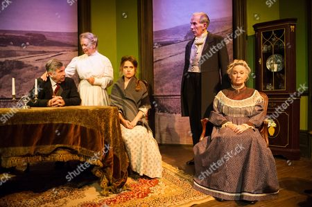 'Hindle Wakes' - Peter Ellis (as Christopher Hawthorn), Anna Carteret (as Mrs Hawthorn), Ellie Turner (as Fanny Hawthorn), Richard Durden (as Nathaniel Jeffcote) and Susan Penhaligon (as Mrs Jeffcote)