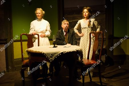 'Hindle Wakes' - Anna Carteret (as Mrs Hawthorn), Peter Ellis (as Christopher Hawthorn) and Ellie Turner (as Fanny Hawthorn)