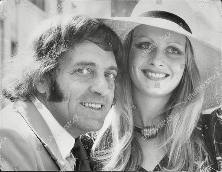Harry H Corbett And Twiggy Who Are To Star In The Pantomime 'cinderella'.