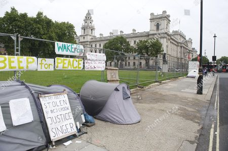 Editorial photo of The Empty Space That Was Once Filled With The Hoardings And Protest Placards Of Peace Campaigner Brian Haw Who Used His Right To Protest In Parliament Square For Almost 10yrs Picture By Glenn Copus.