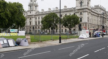 Stock Photo of The Empty Space That Was Once Filled With The Hoardings And Protest Placards Of Peace Campaigner Brian Haw Who Used His Right To Protest In Parliament Square For Almost 10yrs Picture By Glenn Copus.