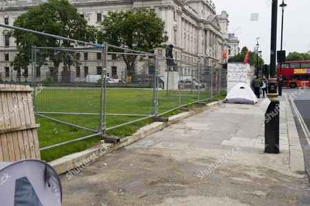 Stock Picture of The Empty Space That Was Once Filled With The Hoardings And Protest Placards Of Peace Campaigner Brian Haw Who Used His Right To Protest In Parliament Square For Almost 10yrs Picture By Glenn Copus.