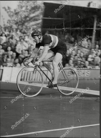 Reg Harris Cycle Racer Racing At Herne Hill In London Reginald Hargreaves Harris Obe (1 March 1920 A 22 June 1992) Was A Leading English Track Racing Cyclist In The 1940s And 1950s. He Won The World Amateur Sprint Title In 1947 Two Olympic Silver Medals In 1948 And The Professional Title In 1949 1950 1951 And 1954. His Ferocious Will To Win Made Him A Household Name In The 1950s But He Also Surprised Many With A Comeback More Than 20 Years Later Winning A British Title In 1974 At The Age Of 54.