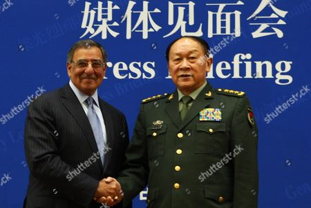 U.S. Secretary of Defense Leon Panetta meets Chinese Defense Minister Liang Guanglie