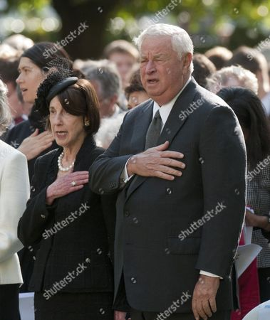 The U.s. Ambassador Louis Susman And His Wife Marjorie At A Memorial Ceremony At The Sept 11 Memorial Gardens In Grovesnor Square In London.