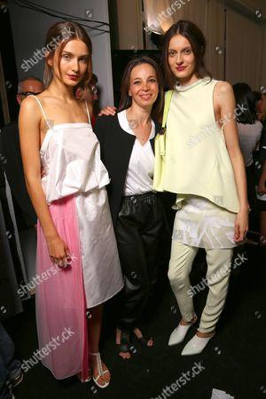 Tia Cibani (C) with models backstage