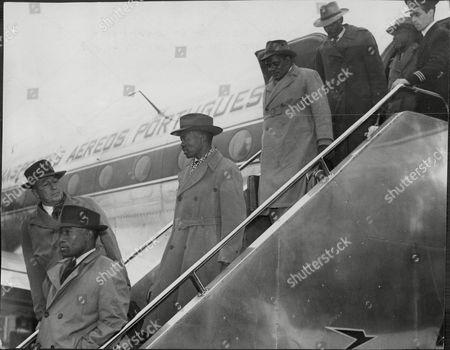 Bamangwato (botswana) Delegation At London Airport Including Chief Sereise Khama To Meet Lord Salisbury.