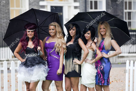 Nicole Morris, Lateysha Grace, Natalee Harris, Jenna Jonathon and Carley Belmonte