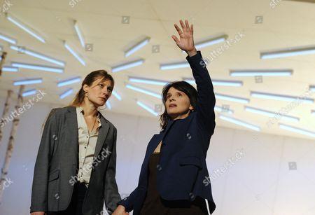 Stock Image of 'Madamoiselle Julie' - Benedicte Cerruti as Christine and Juliette Binoche as Madamoiselle Julie