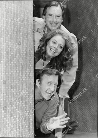 Jack Douglas Lynda Baron And Norman Vaughan In 'once More Darling' At The Churchill Theatre In Bromley.