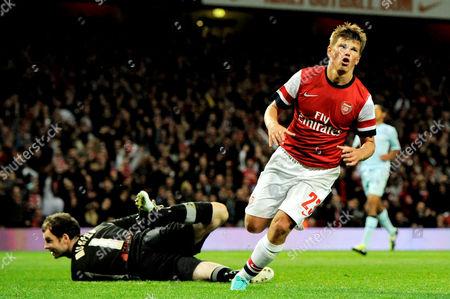 Andrei Arshavin of Arsenal celebrates his goal