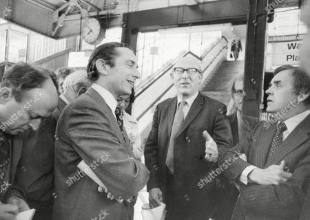 Transport Minister Sir Norman Fowler Meets A Commuter And British Rail Official At Waterloo Station In London. Baron Fowler Of Sutton Coldfield.
