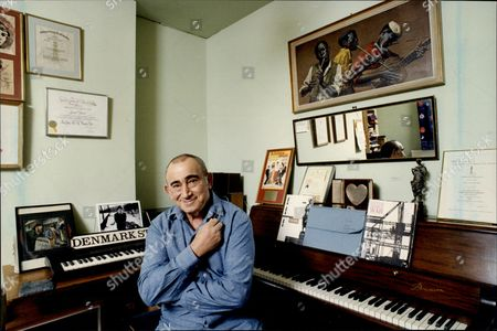 Writer And Composer Lionel Bart Lionel Bart (1 August 1930 A 3 April 1999) Was A Writer And Composer Of British Pop Music And Musicals Best Known For Creating The Book Music And Lyrics For Oliver!.