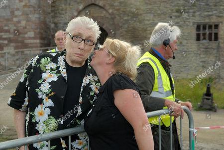 Chris Farlowe with a female fan