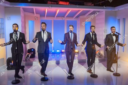 The Overtones : Lachie Chapman, Mike Crawshaw, Darren Everest, Mark Franks and Timmy Matley