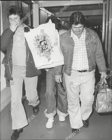 Les Mckeown Of Pop Group Bay City Rollers Arrives At London Airport The Bay City Rollers Were A Scottish Pop Band Whose Popularity Was Highest In The 1970s. The British Hit Singles & Albums Noted That They Were 'tartan Teen Sensations From Edinburgh' And Were 'the First Of Many Acts Heralded As The 'biggest Group Since The Beatles' And One Of The Most Screamed-at Teeny-bopper Acts Of The 1970s'.[1] For A Relatively Brief But Fervent Period (nicknamed 'rollermania') They Were Worldwide Teen Idols. The Group's Line-up Featured Numerous Changes Over The Years But The Classic Line-up During Its Heyday Included Guitarists Eric Faulkner And Stuart Wood Singer Les Mckeown Bassist Alan Longmuir And Drummer Derek Longmuir.