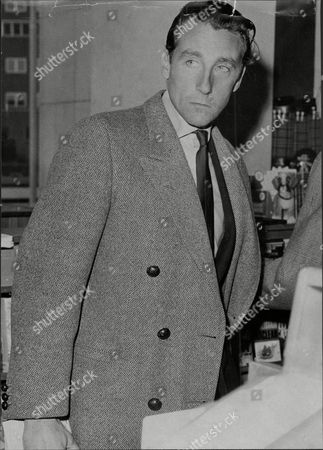 David Somerset 11th Duke Of Beaufort David Robert Somerset 11th Duke Of Beaufort (born 23 February 1928) Known As David Somerset Until 1984 Is A British Peer. He Is The Son Of Henry Robert Somers Fitzroy De Vere Somerset And Bettine Violet Malcolm And Was Educated At Eton College. He And His Family Descend In The Male Line From Edward Iii Of England; The First Somerset Was An Legitimized Son Of Henry Beaufort Duke Of Somerset Whose Grandfather Was An Legitimized Son Of John Of Gaunt. He Married Firstly Lady Caroline Jane Thynne (28 August 1928 A 22 April 1995) Daughter Of Henry Thynne 6th Marquess Of Bath On 5 July 1950. The Marriage Took Place At St Peter's Church Eaton Square In The Presence Of The King And Queen And Members Of The Royal Family. David Somerset Married Secondly Miranda Elisabeth Morley (born 1947) On 2 June 2000. She Is A Daughter Of Brigadier General Michael Frederick Morley. Beaufort Was Nominated To The International Best Dressed List Hall Of Fame In 1988.