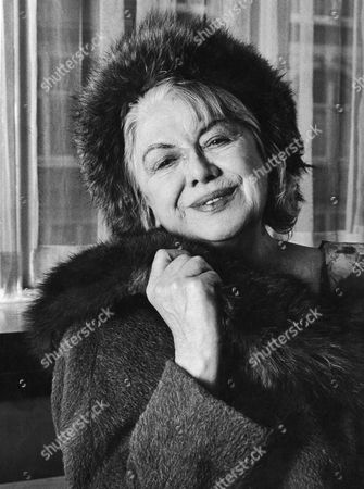 Singer Dorothy Squires