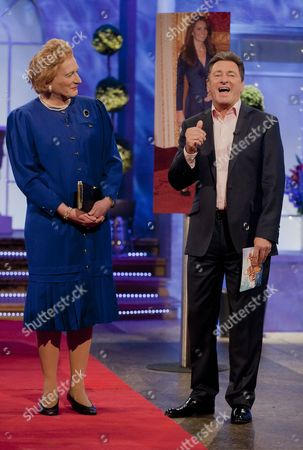 Editorial image of 'The Alan Titchmarsh Show' TV Programme, London, Britain. - 11 Oct 2012