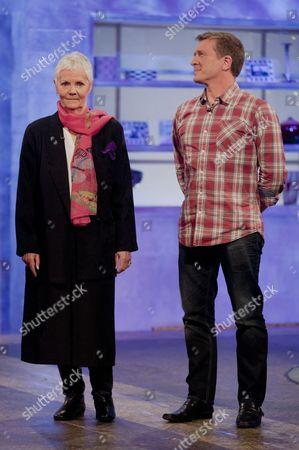Stock Photo of Julia Larkin [Judi Dench] and Graham Gurr [Daniel Craig]