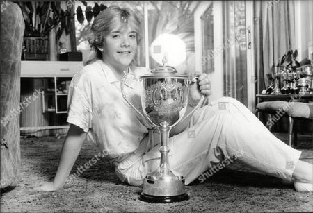 Womens World Snooker Champion Allison Fisher At Her Peacehave Sussex Home With Her World Championship Trophy.