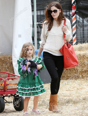Michelle Monaghan and Willow Katherine