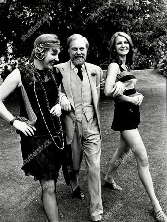 Marius Goring Actor With Jane Butterworth And Diana Sanders Wearing Fashions Of 1920s And 1960s For Charity Appeal By Teddington Theatre Club 1968.