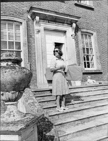 Lady Pamela Hicks (nee Mountbatten) At Her Georgian Mansion In Oxfordshire.