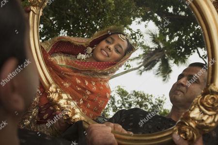 Midnight's Children - Shahana Goswami and Ronit Roy
