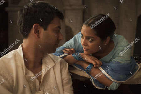 Stock Image of Midnight's Children - Zaib Shaikh and Shahana Goswami