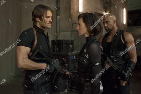Resident Evil Retribution - Johann Urb, Milla Jovovich and Boris Kodjoe
