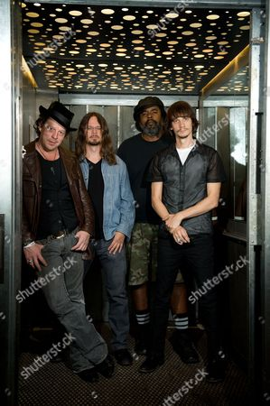 Ian Siegal Luther Dickinson Alvin Youngblood Hart Cody Dickinson