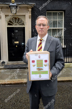 MP John Baron delivering the petition to No 10 Downing St