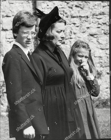 Lady Pamela Hicks Wife Of Designer David Hicks With Her Son Ashley Hicks And Daughter India Hicks At Funeral David Nightingale Hicks (25 March 1929 A 29 March 1998) Was An English Interior Decorator And Designer Noted For Using Bold Colours Mixing Antique And Modern Furnishings And Contemporary Art For His Famous Clientele He Married Lady Pamela Mountbatten (born 19 April 1929) The Younger Daughter Of The 1st Earl Mountbatten Of Burma By His Wife The Former Edwina Ashley. David And Pamela Hicks Were Married On 13 January 1960 At Romsey Abbey In Hampshire. They Had Three Children:.